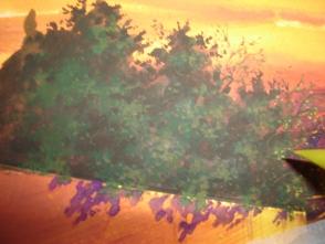 24.段々と明るい色を乗せていきます。枝が所々に見えていると なんとなくリアルに見えていいかもしれません。右端は 夕日が当たっているので、強い黄色い色を乗せています。 チョンチョン。